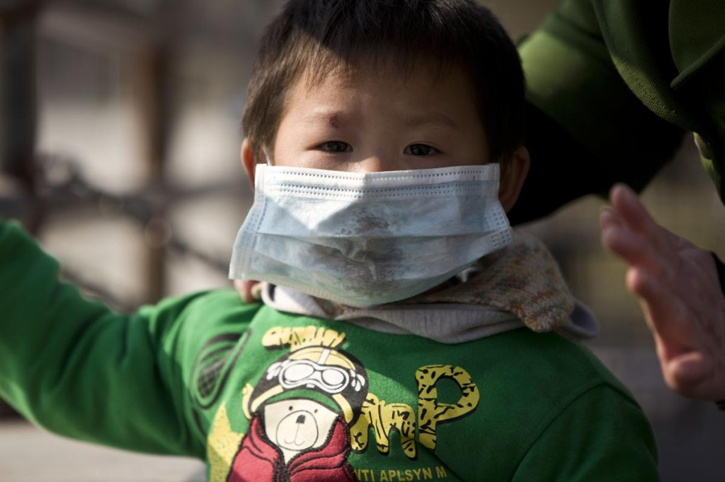 2013-12-03T084501Z_632807366_GM1E9C31AED01_RTRMADP_3_CHINA-CARBON