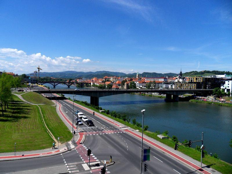 Lepo vreme, skoraj brez oblačka nad Mariborom.